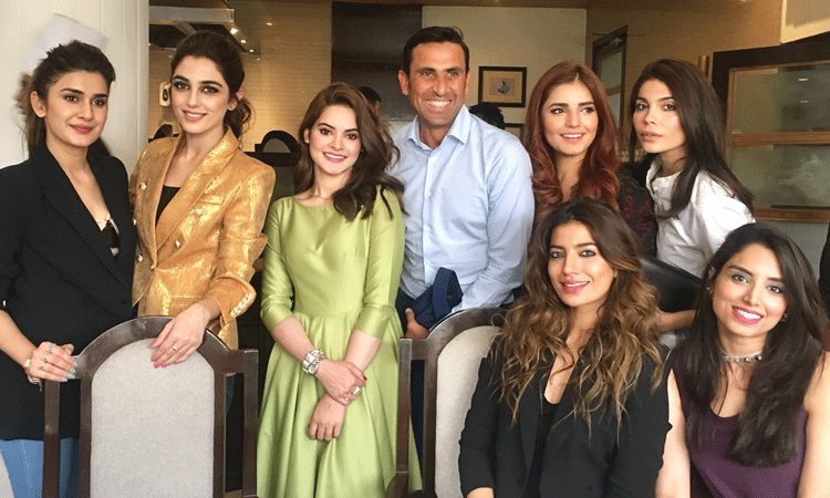 Younis Khan with celebs