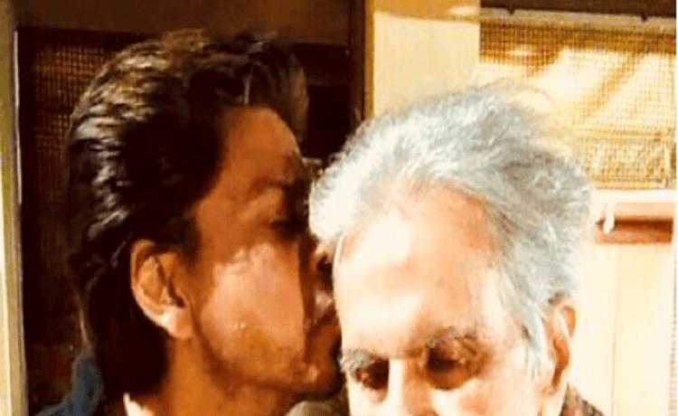 SRK visits Dilip Kumar