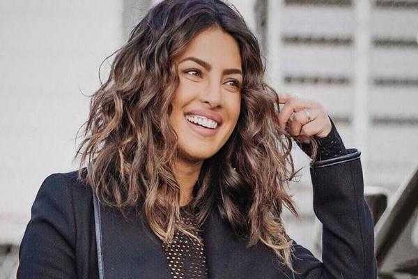 priyanka chopra hair color 2019