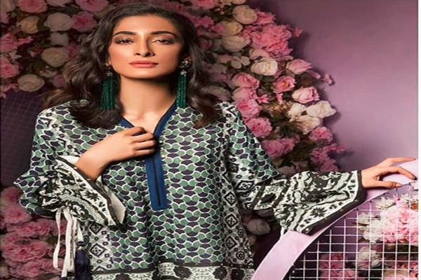 Pakistani Model Fashion Designer Anam Tanoli Commits