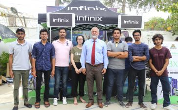 Infinix-Management-Along-with-Multan-Sultans-Management-Finding-Infinix-kay-Sultans