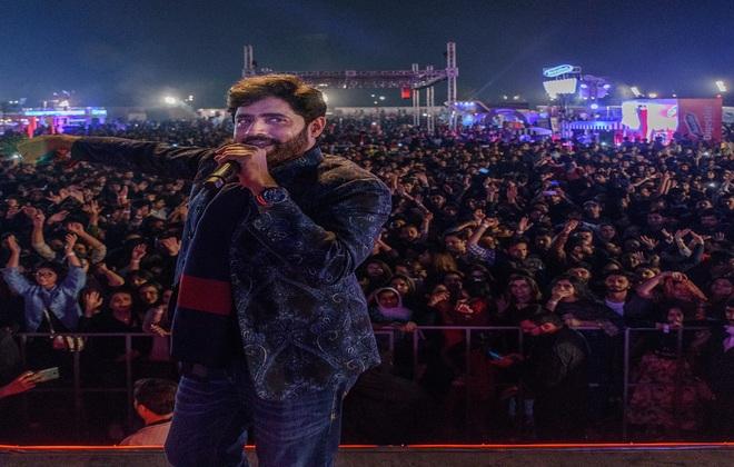 Abrar-ul-Haq_on_Day_01_of_Coke_Fest_in_Lahore_660x420
