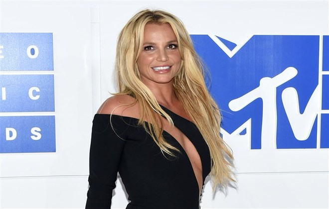 Britney Spears cancels new show Domination to look after ... Britney Spears 2019