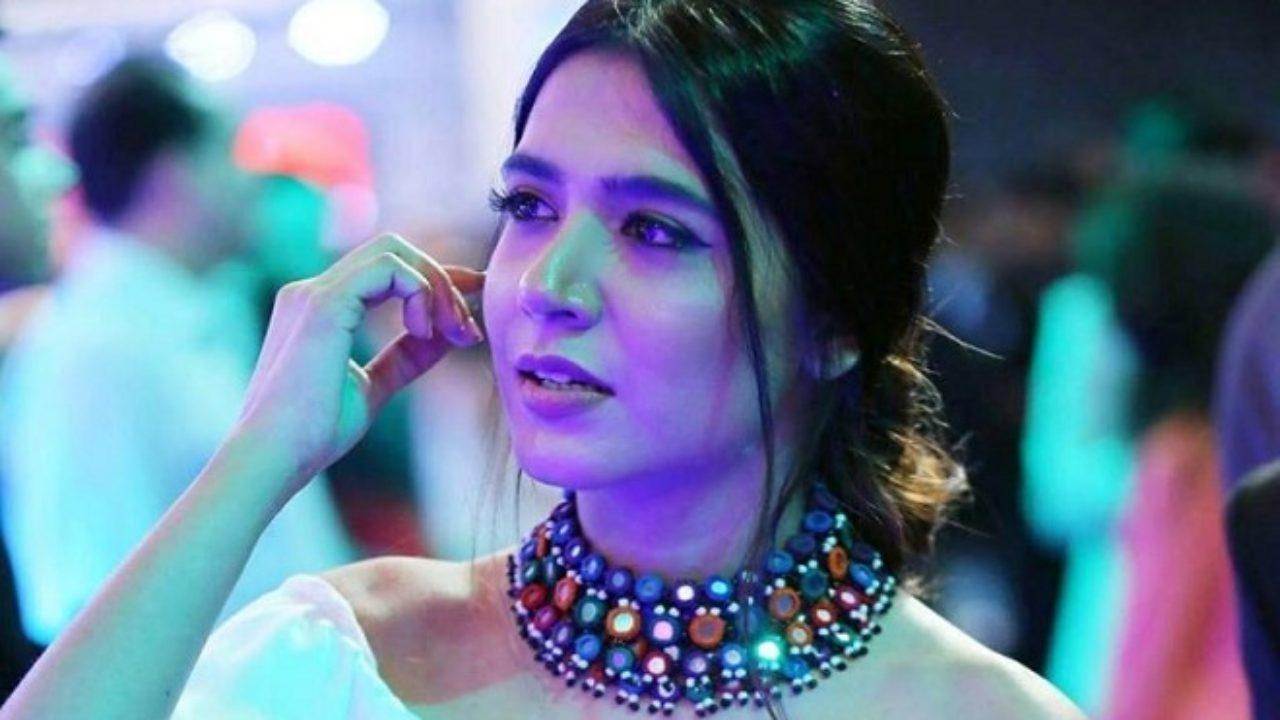 Selenis Leyva,Terri Hoyos Sex clips Crystal Geoffre Canada,Yogeeta Bali