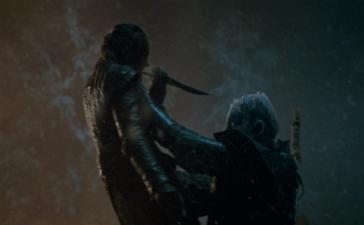 Arya_kills_Night_King_620x400