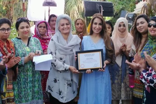Masarrat-Misbah-with-DSFs-brand-ambassador-Reema-Khan