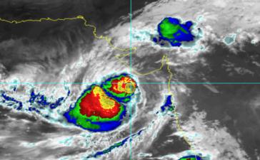 Cyclone_Vayu_620x400
