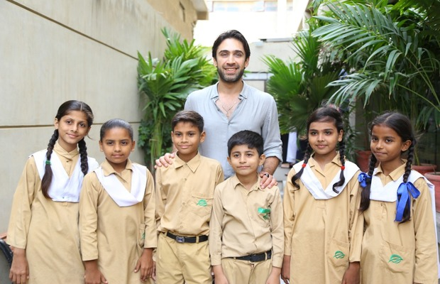 Ali_Rehman_Khan_with_TCF_Kids