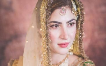 Nimal-does-her-own-makeup-for-nikkah