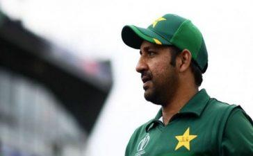 Sarfaraz Ahmed Sacked as Captain, Azhar Ali Takes Over in Tests
