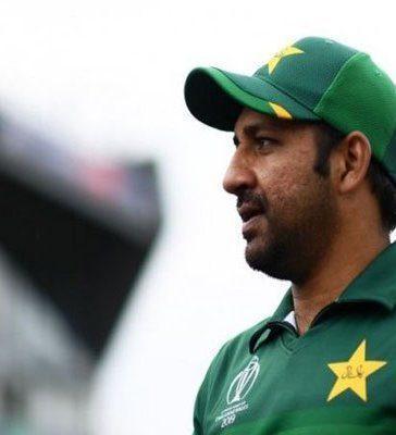 Sarfaraz Ahmed Sacked as Captain, Azhar Ali Takes Over in Tests