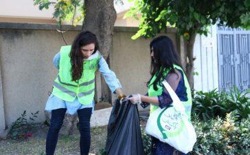 Alyne_Tamir_Joins_Hoga_Saaf_Pakistan_for_Cleaning_Drive_2_620x400