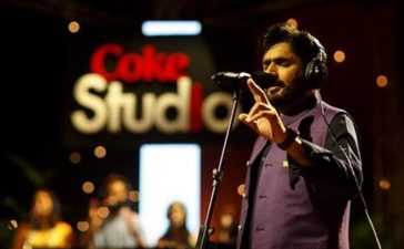 Abrar ul Haq will make you want to dance to his Billo rendition