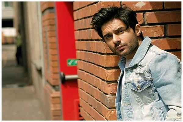 Hamza Firdous bids farewell to Pakistan Entertainment Industry