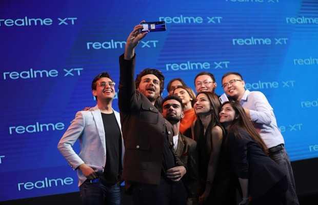 Realme Launches Pakistan's Real #64MPQuadCameraXpert realme XT