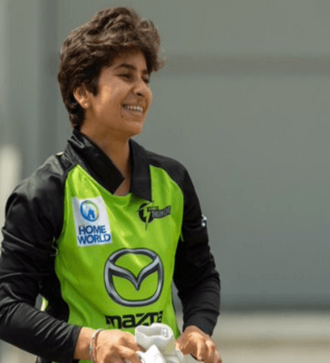 Nida Dar makes Women's Big Bash League Debut