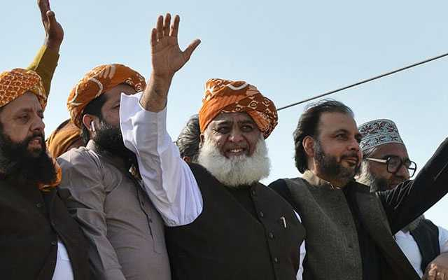 Azadi March Day 2 - Fazlur Rehman Joins Protestors