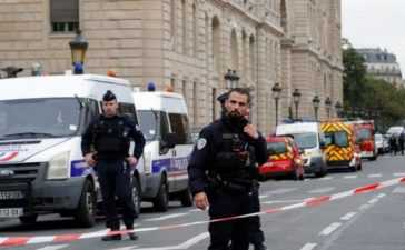 Two Injured in Mosque Shootings in France, Suspect Arrested