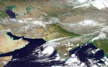 Tropical cyclone Kyarr, likely to bring rain for Karachi from 28 to 30 Oct