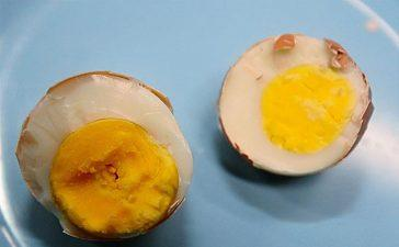 Four Suspects Arrested for Selling Fake Eggs in Karachi