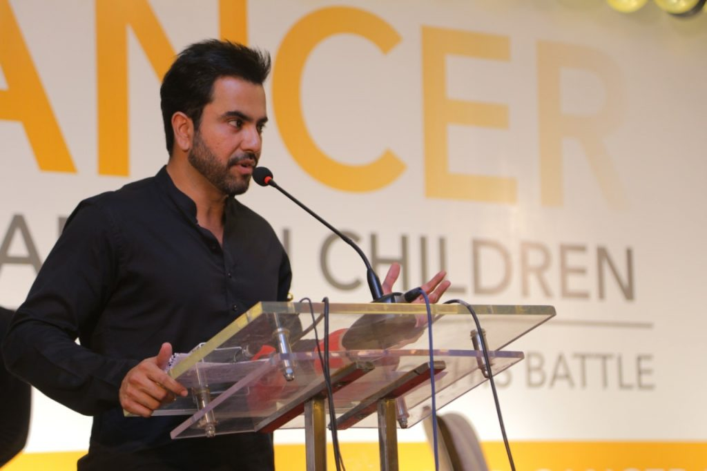 junaid khan addressing at indus hospital