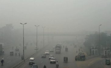 Schools to remain closed on Thursday amidst thick smog in Lahore