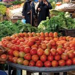 Tomato price hits record high in Karachi being sold at Rs 400 kg