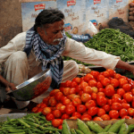 Triple century for Love Apples! Tomato prices reach record high in history of Karachi