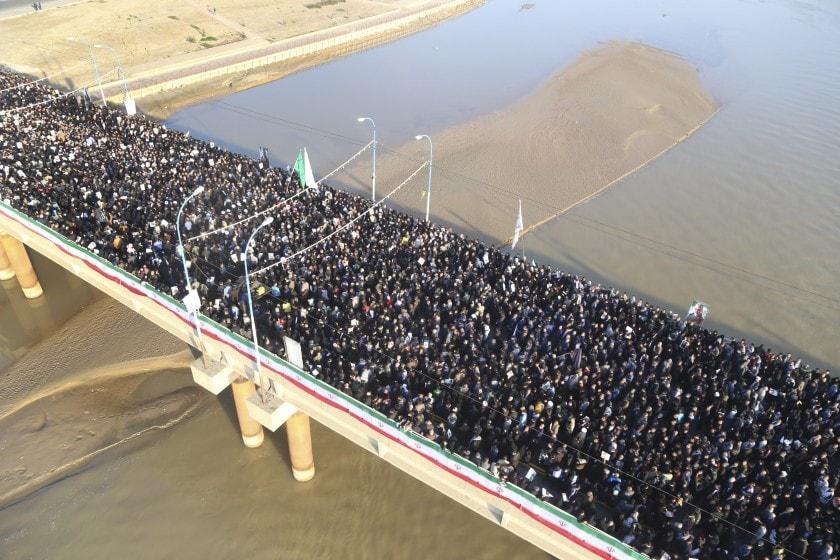 Thousand of Iranian 2