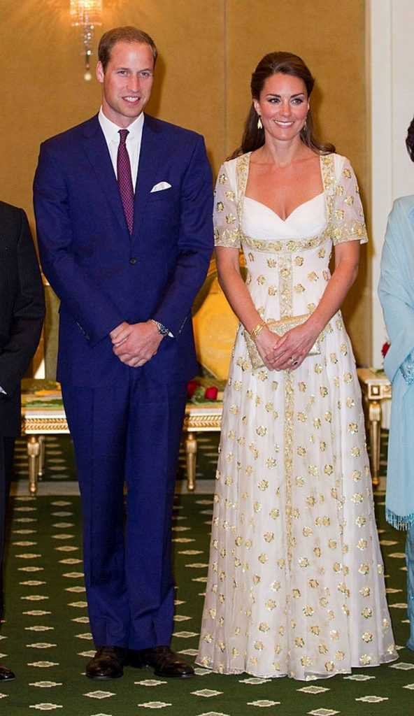 Kate Middleton with prince William-2