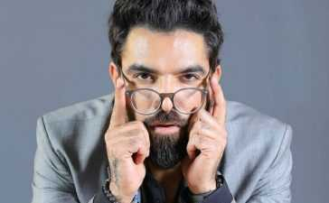 Yasir-Hussain-Model-Actor-VJ-Playwriter-Screenwriter-355-5020
