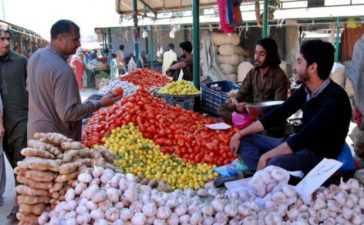 Sunday-bazaar-stallholders