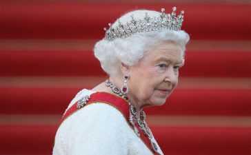Queen Elizabeth public duty