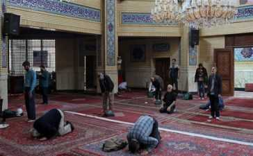 mosques reopen in Iran