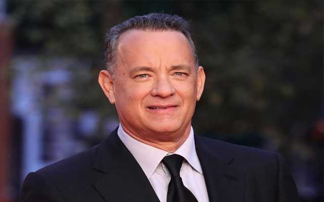 Tom Hanks donates plasma