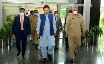 imran khan arrival at isi headquarters