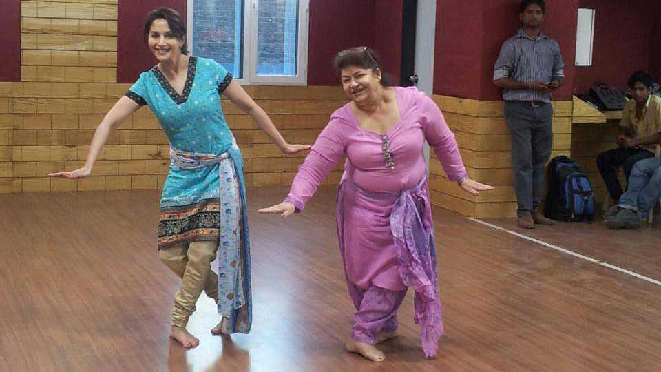Saroj Khan dancing with Madhuri Dixit