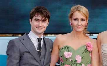 Daniel Radcliffe apologises
