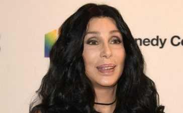 Pop Singer Cher imran khan's fan