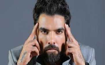 Yasir Hussain and plasma selling