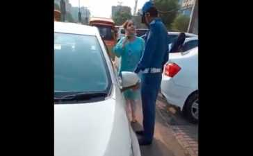 Woman in Lahore Misbehaves