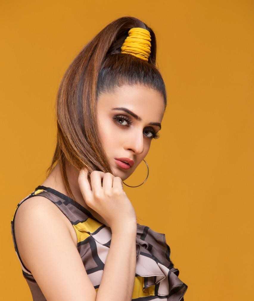Kaneeze-Zainab's-hairstyles-4