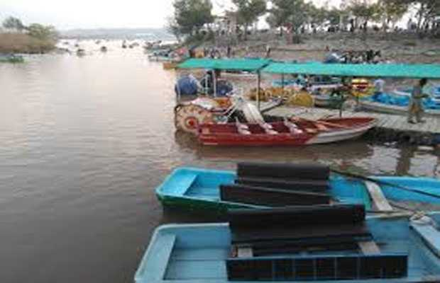 Rawal Dam boating