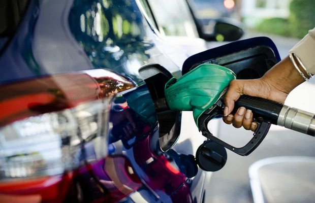 Petrol prices in Pakistan to remain unchanged till 15 Oct 2020