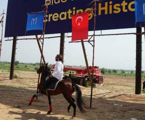 cavit while horse riding