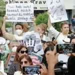 Media fraternity organize peaceful protest demanding safety of women & children in Pakistan