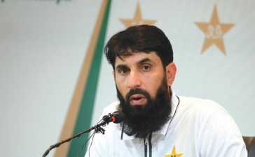 misbah ul haq step down