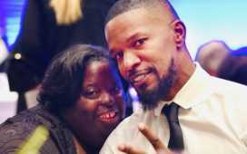 Jamie Foxx with his siter