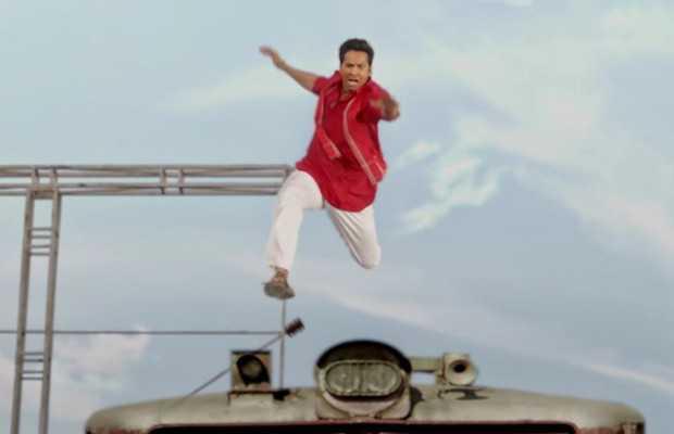 Varun Dhawan's Coolie No. 1 train scene