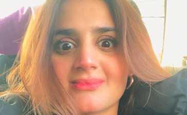 Hira Mani Celebrates 5 Million Followers